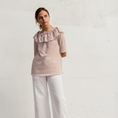 Camiseta Camino blanca con rayas teja
