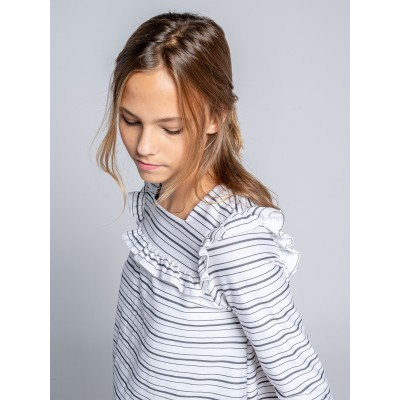 detalla camiseta manga larga volante niña mayor y pequeña