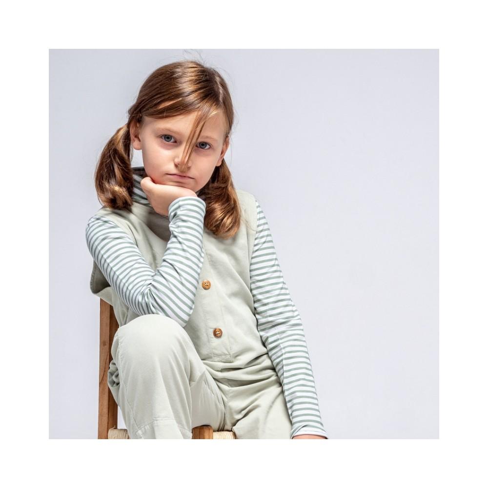 camiseta cuello alto rayas verdes niña