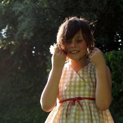 vestido niña cuadritos beige rosa