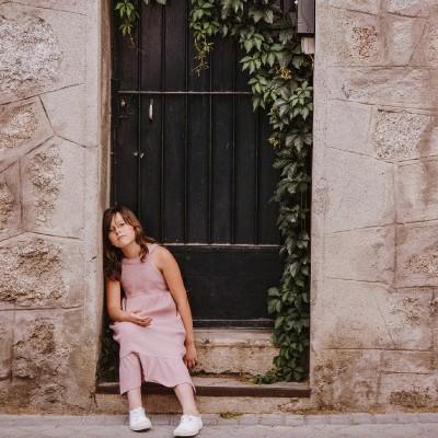 vestido rosa cuadrado niña largo