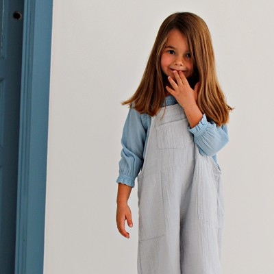 blusa niña azul engomada