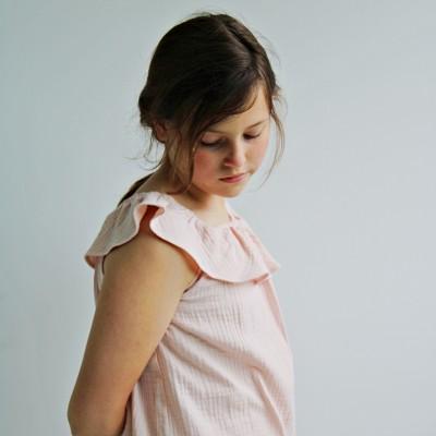 Blusa volante rosa niña