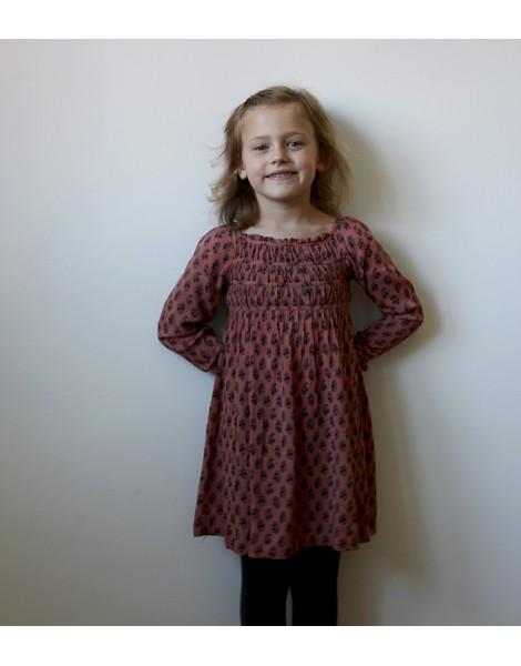 Niña con vestido Tiras Rosa 1