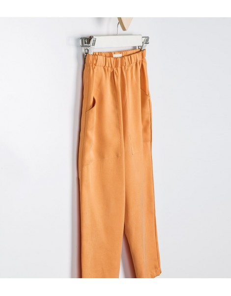 Pantalon Gante detalle