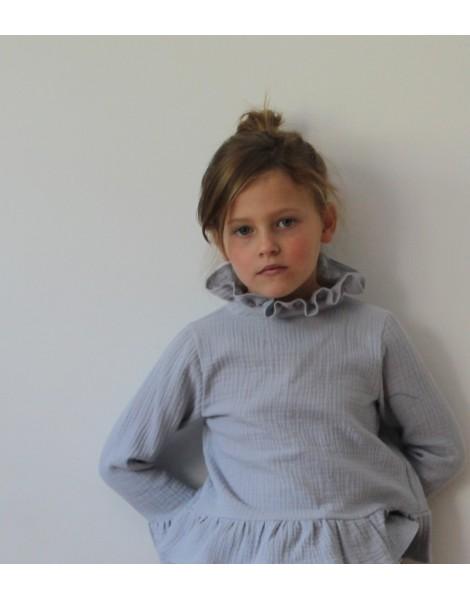 Niña con blusa Berna